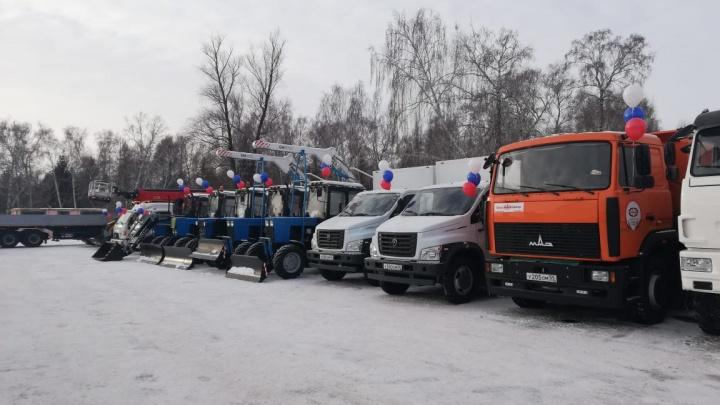 Омские энергетики получили 117 машин спецтехники для аварийных работ