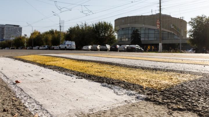 В Волгограде у здания областной полиции сбили велосипедиста