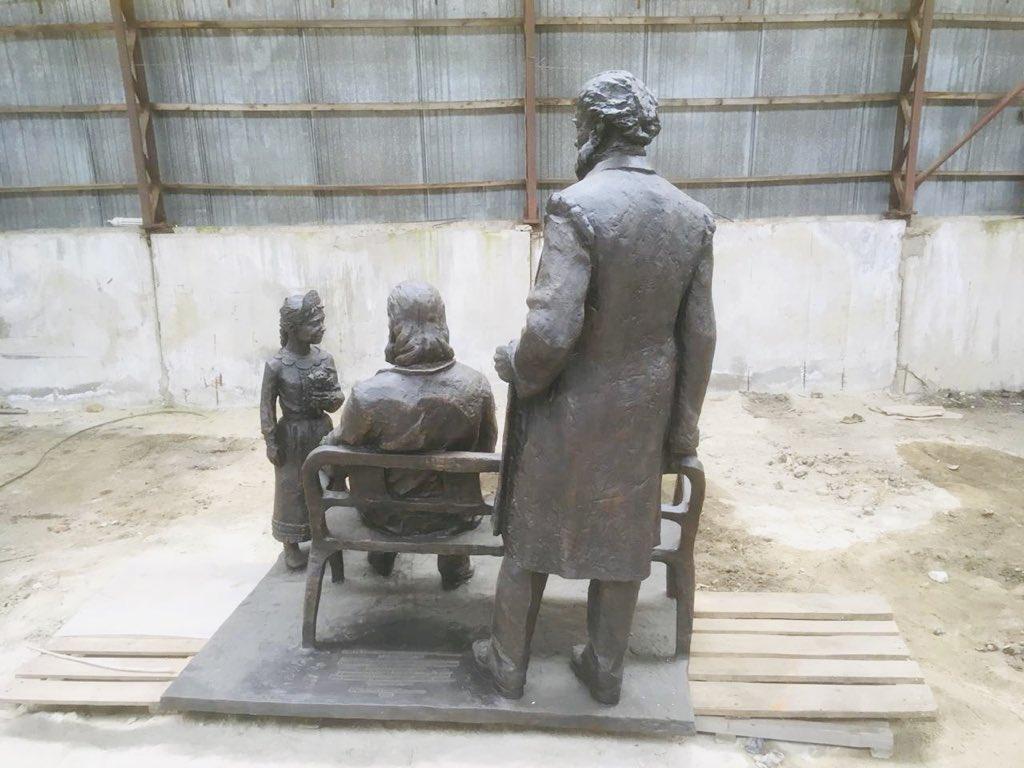Скульптура ждет своей отправки в Самару
