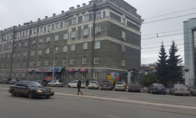 «Якобы на заводе подложили мину»: из здания на улице Дуси Ковальчук экстренно вывели всех людей