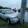 Lexus и «Лада» столкнулись на Северо-Западе Челябинска. От удара «ВАЗ» отбросило в столб