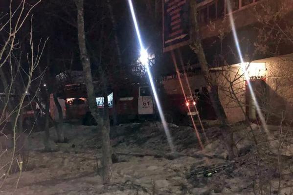 Пожар начался после закрытия торгового центра