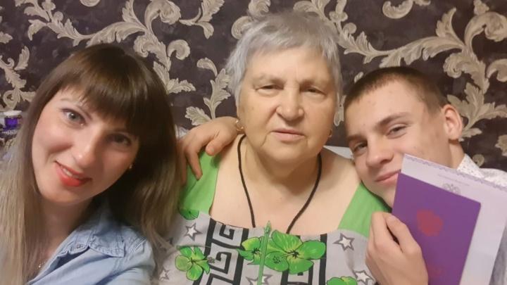 «У мамы диабет и больное сердце»: 70-летней волгоградке с редкой группой крови требуется антиковидная плазма