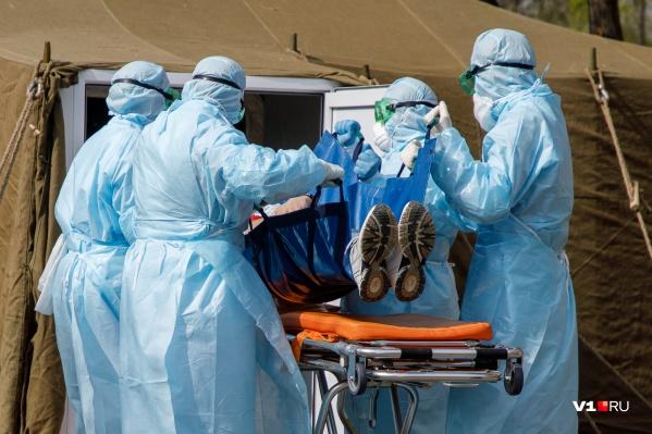 Пациентов госпитализируют в специализированные отделения