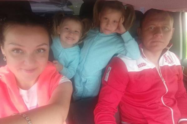 В семье уже подрастают две близняшки— Варвара и Василиса