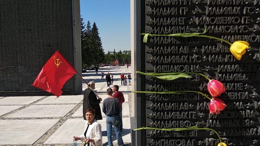 Хватит невнятных и «сельских» стел: краевед — о том, почему Новосибирску не нужна стела «Город трудовой доблести»