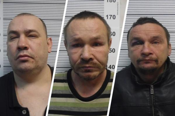 В Екатеринбурге полицейские задержали троих мужчин, совершивших разбойное нападение