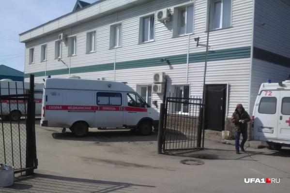 Водители демской подстанции скорой помощи говорят, что оплату за свой труд не видели несколько месяцев