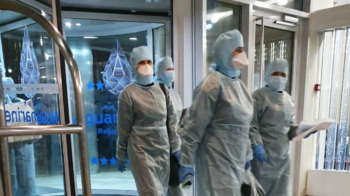 «Скрывали коронавирус»: ростовчане с детьми сидят на карантине в отеле, где жила девушка с СOVID-19