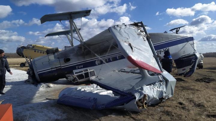На аэродроме в Камышине из-за урагана перевернулся самолёт