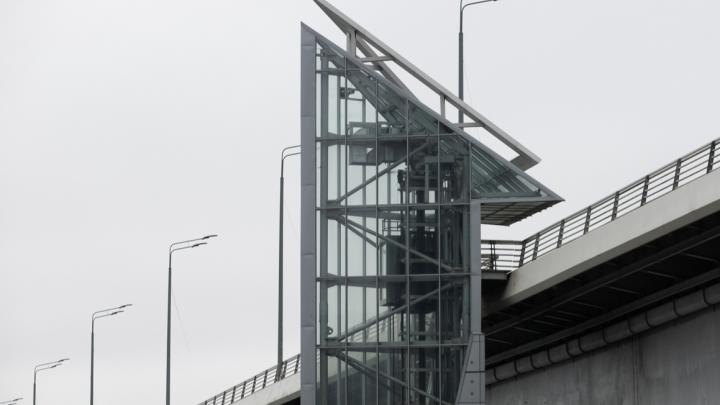Власти Ростова не успели починить лифты на Ворошиловском мосту