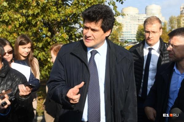 Глава города Александр Высокинский в прямом эфире ответил на вопросы свердловчан