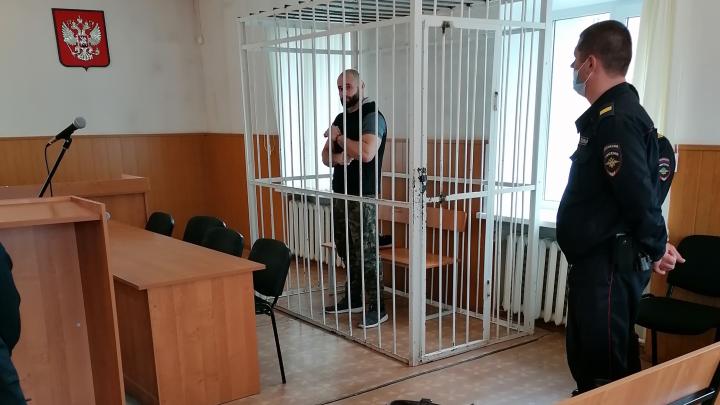 Основатель «Трезвых дворов» в Челябинске устроил дебош после оглашения приговора за наркотики