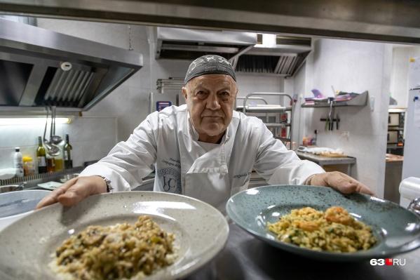 — Профессиональная кухня — это стресс: иногда можно сидеть три часа без дела, а потом готовить блюда одновременно для 20 человек, — рассказывает герой интервью