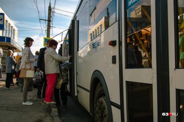 «Дачные» автобусы пустят на городские маршруты