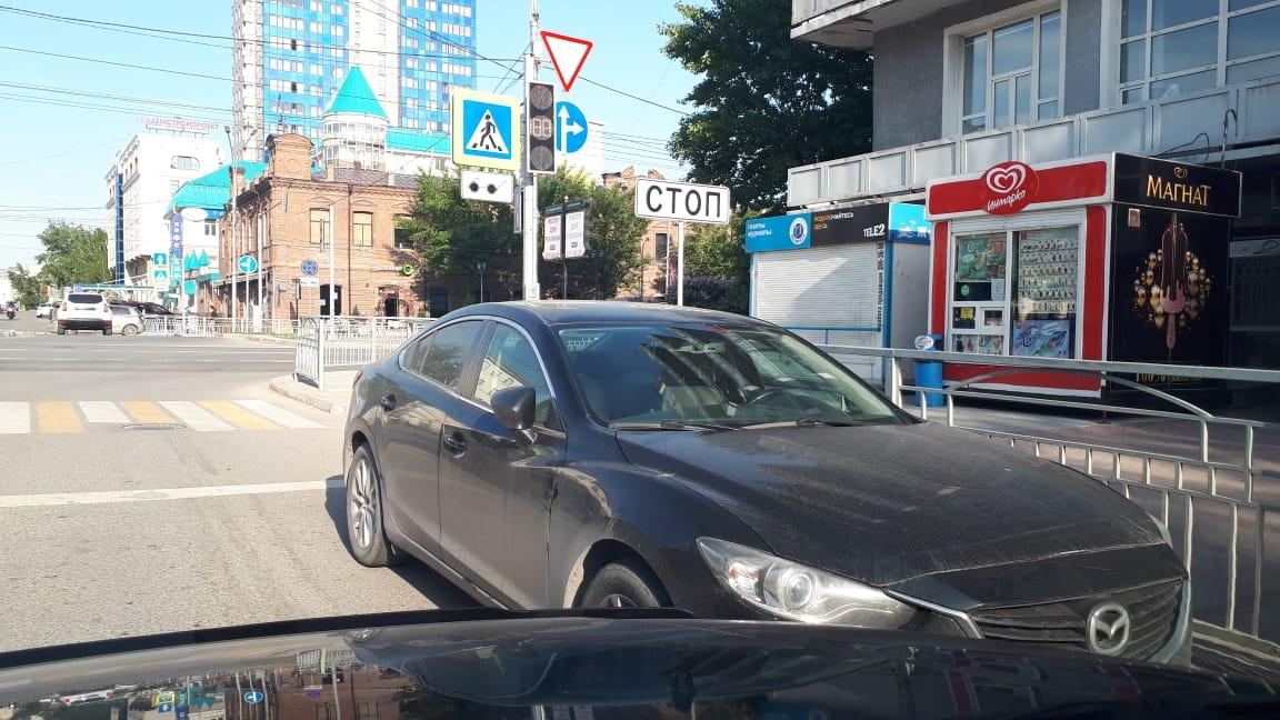 Припарковался у светофора