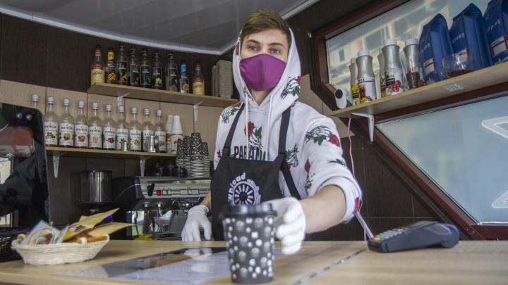 Владелец кофейни на колесах — о работе во время самоизоляции: «Кто не рискует, тот не пьет»