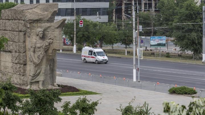 Один умерший, 94 заболевших: коронавирус оккупировал Волгоград