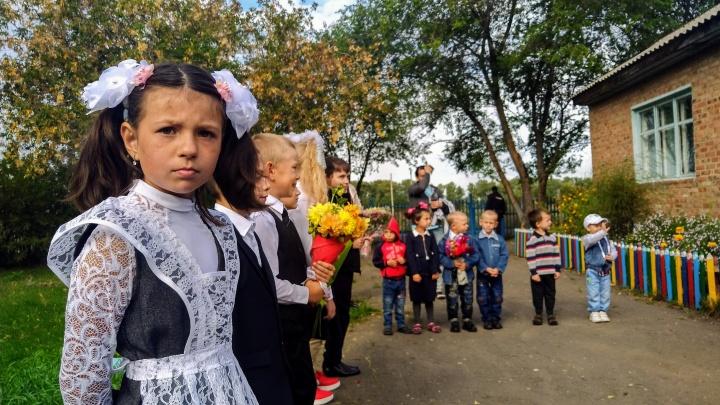 Семеро одного учителя ждут: маленький репортаж из маленькой омской школы