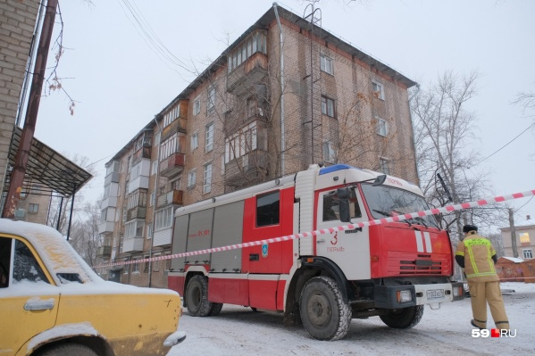 Огонь потушили прибывшие пожарные