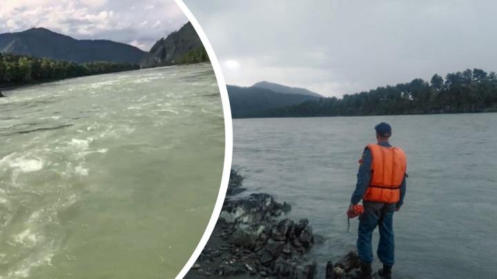 «Скрывалась под водой секунд на 10»: стали известны подробности гибели новосибирской туристки на Алтае