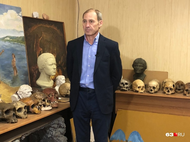 Профессор Хохлов посвятил изучению останков всю свою жизнь