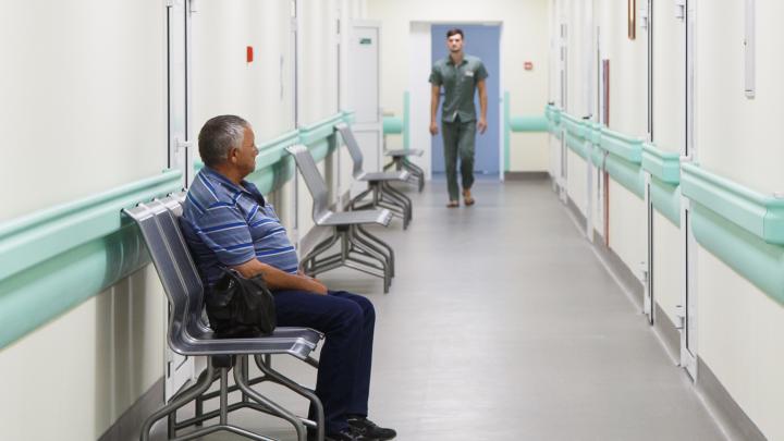 «Смертность растет не из-за коронавируса»: поликлиники Волгограда вернули плановый прием пациентов