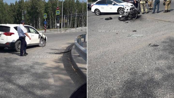 Под Тюменью в аварии погиб водитель мотоцикла Harley-Davidson