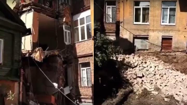 «Рухнула несущая стена»: появилось видео обрушения дома на улице Галактионовской