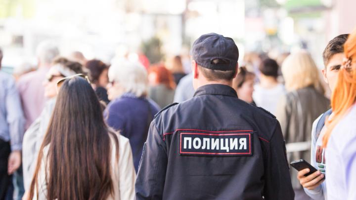 СК: житель Новошахтинска избил двух полицейских