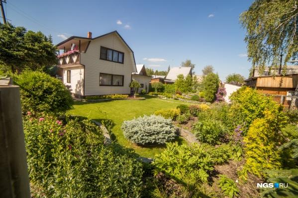 Спрос на загородную недвижимость в последние месяцы вырос в пять раз. А как изменились представления россиян о виде идеальной дачи?