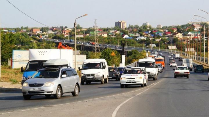 В Омске оштрафуют подрядчика, который на месяц бросил ремонт на Октябрьском мосту