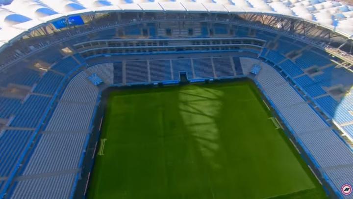 «Это просто Диснейленд»: волгоградец устроил супергонки на стадионе