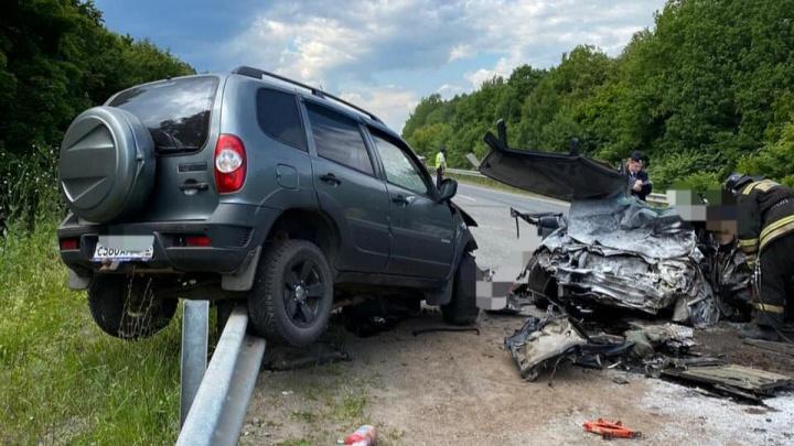В ГИБДД Башкирии рассказали подробности аварии, в которой погибли три человека