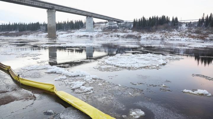 В НАО сняли режим ЧС, введенный из-за разлива нефти возле Харьягинского месторождения