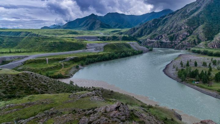 Эпичные ландшафты и конные прогулки: архангелогородка вдохновилась алтайскими пейзажами — фото