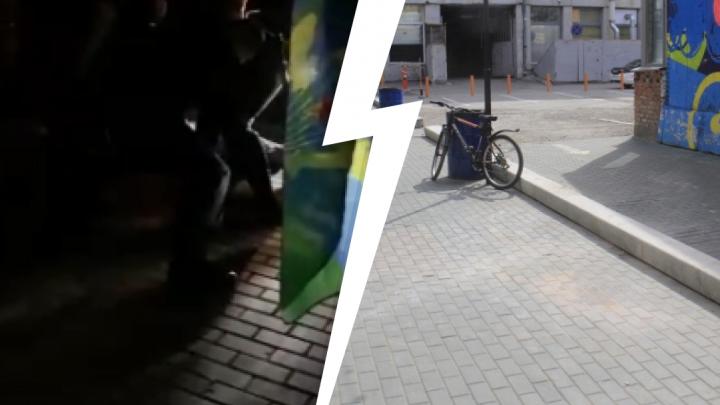«Очень громко играла музыка»: полиция скрутила мужчину в форме десантника в центре Новосибирска