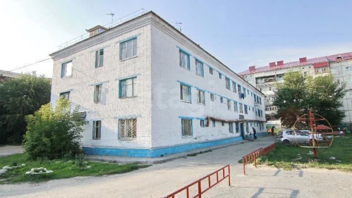 В Тюмени ребенок выпал из окна многоэтажного дома