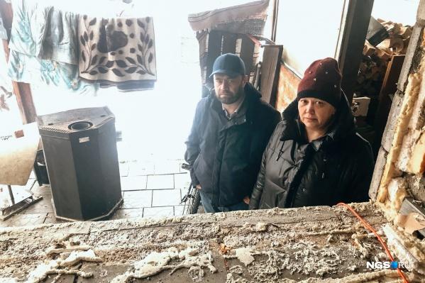 Ольга и Владимир Дулеба считают, что остались на улице после ссоры с соседом