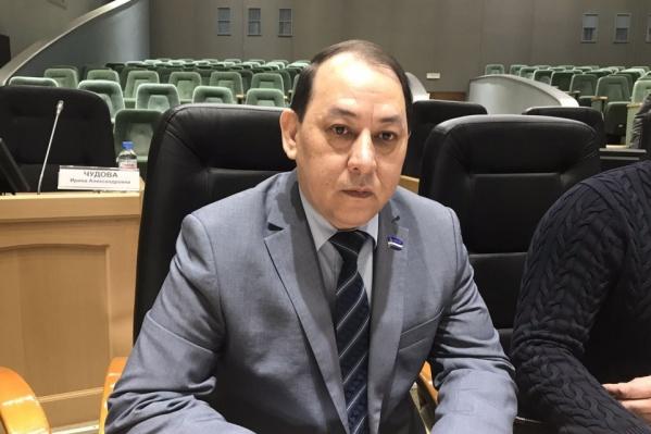 Депутатское кресло либерал-демократ освободил в конце мая