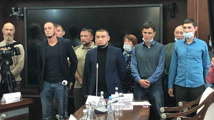 Встреча защитников Куштау и Радия Хабирова заняла всего 10 минут