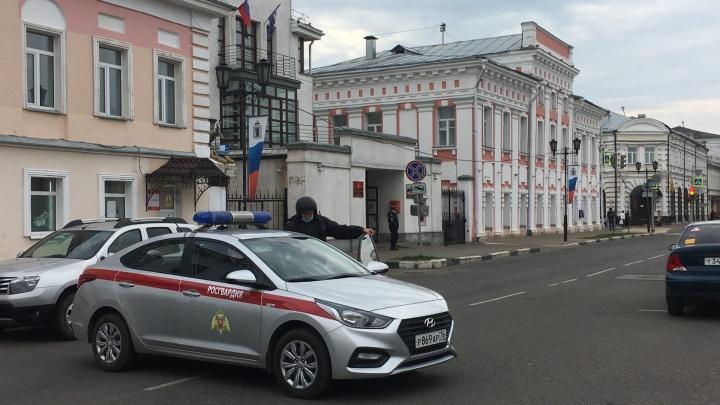 В Ярославле из-за угрозы взрыва прошли эвакуации в мэрии, муниципалитете и судах. Хроника событий