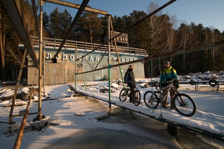 Велосипеды молодые люди подготовили заранее