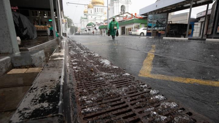 Власти объяснили, почему Ростов оказался под водой после дождя. Как обычно, дело в ливневках