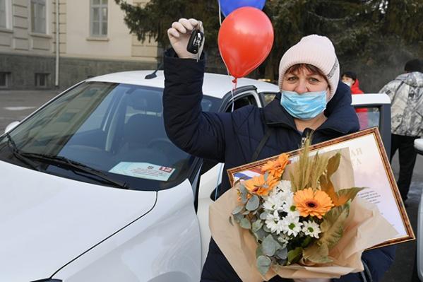Четыре лучших доярки региона получили ключи от авто