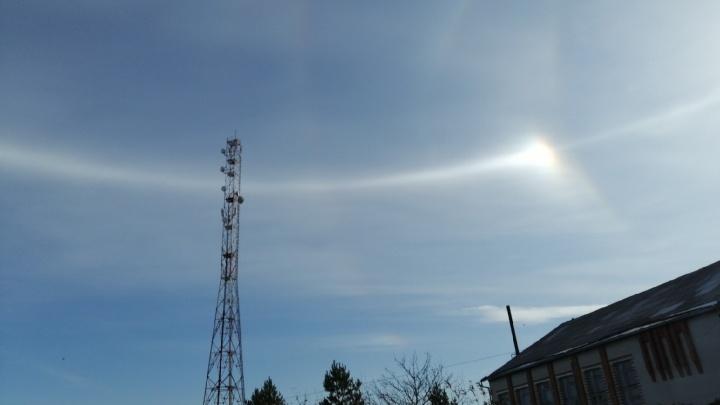 Тюменцы увидели в небе два солнца. Что это такое?