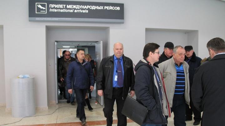 Радий Хабиров попросил всех туристов срочно связаться с МИД РФ