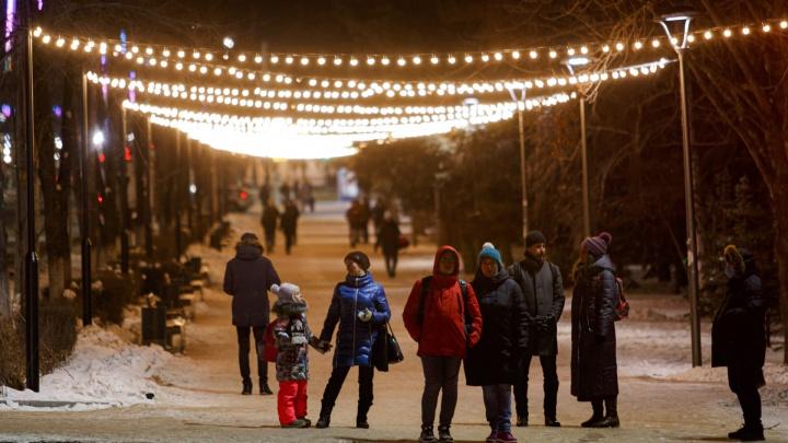 Власти рассказали, будут ли вводить в Челябинской области ограничения по примеру Москвы и Петербурга