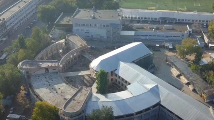 Из столовки в Третьяковку: смотрим, как проходит реконструкция легендарной Фабрики-кухни