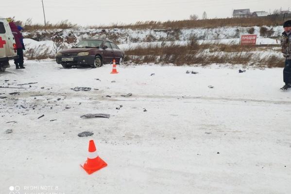 На месте погибла маленькая пассажирка «Киа»